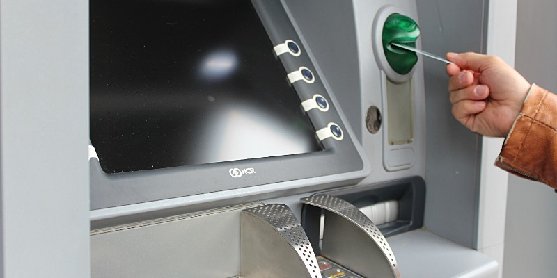 Sportello ATM – Carta Skrill