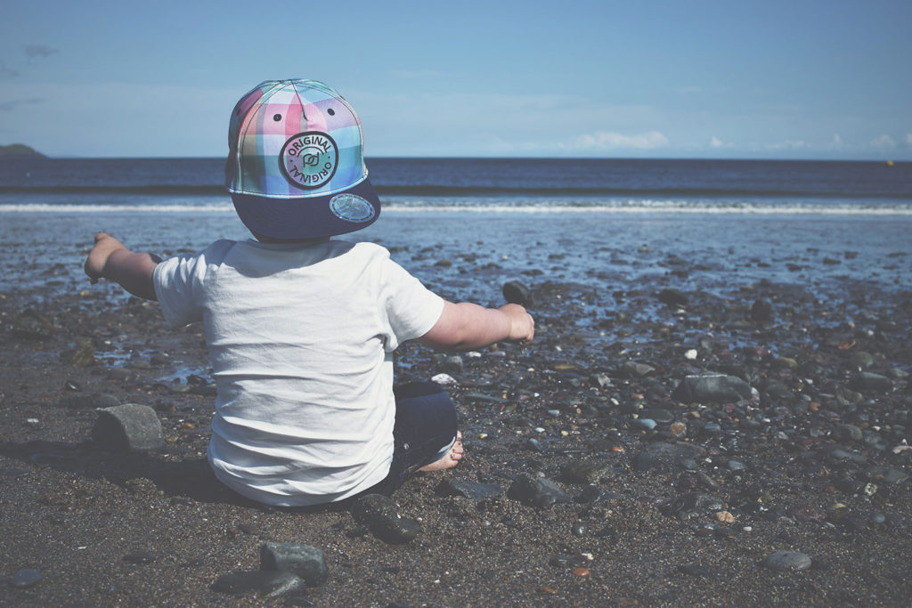 fashion-friday-ootd-toddler-clothes-style-outfits-hm-kids-gap-baseball-cap-cool-baby-music-beach-seaside-ocean-holiday-sandy-pebbles-sea3