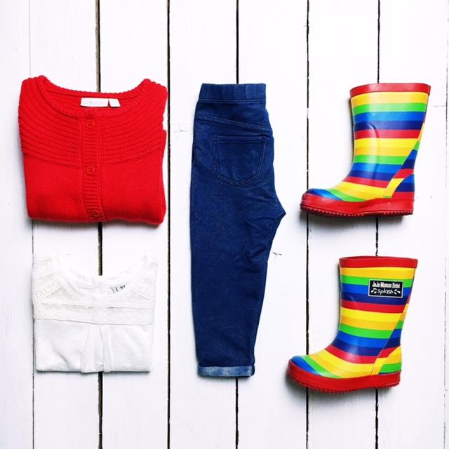 jojo maman bebe rainbow wellies kids outfit ootd flatlay