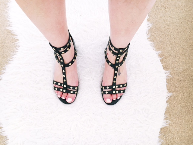 maternity pregnancy workwear fashion ootd hm studded sandals