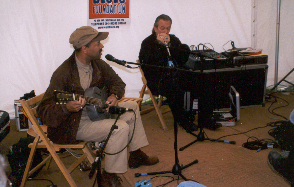 Michael with Charlie Musslewhite at Bishopstock Festival, UK 2001