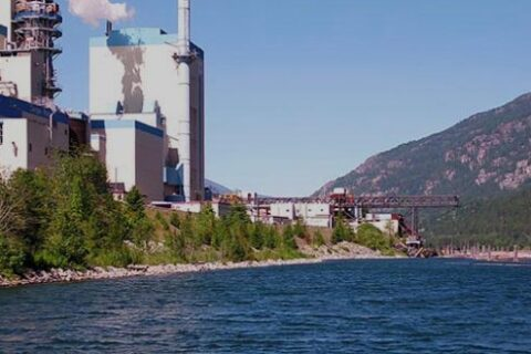 Mercer Celgar im Tal entlang des Nelson River in British Columbia, Kanada.