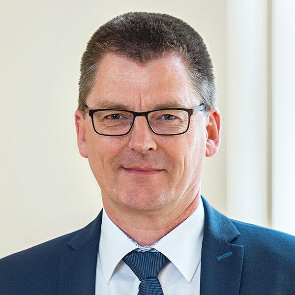Dr. Carsten Merforth