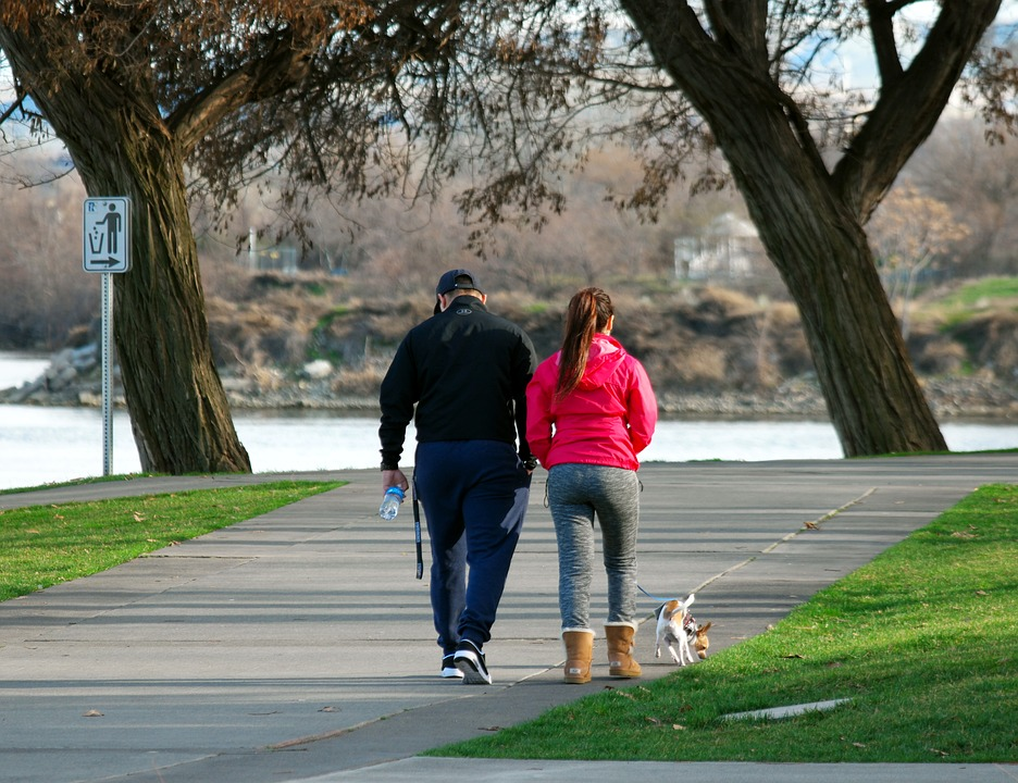 10 Health benefits of walking daily