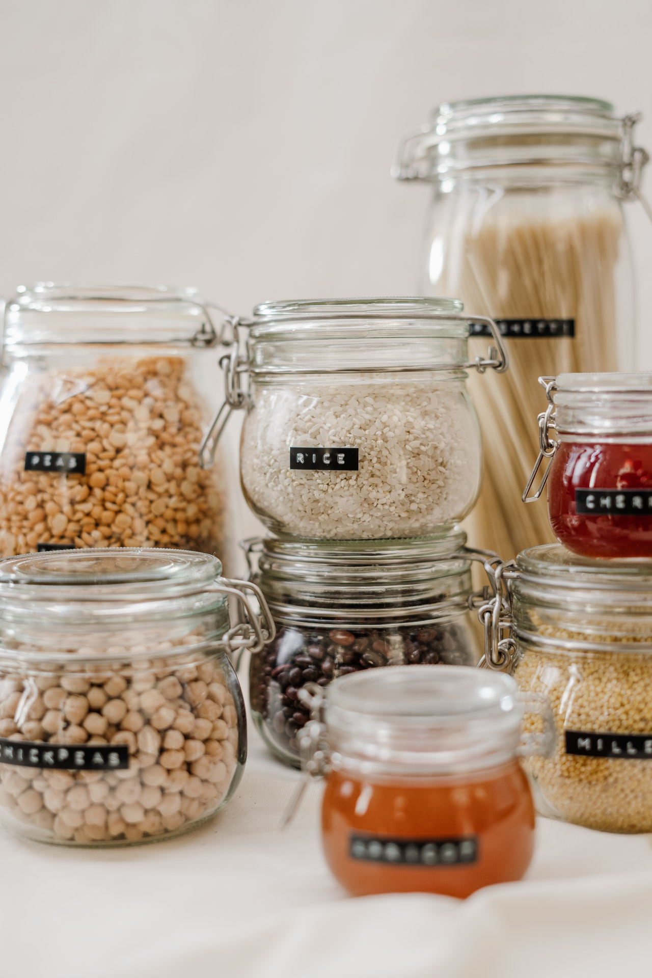 clear-glass-jars-filled-with-cereals-tatu-nutrition-movement-mind