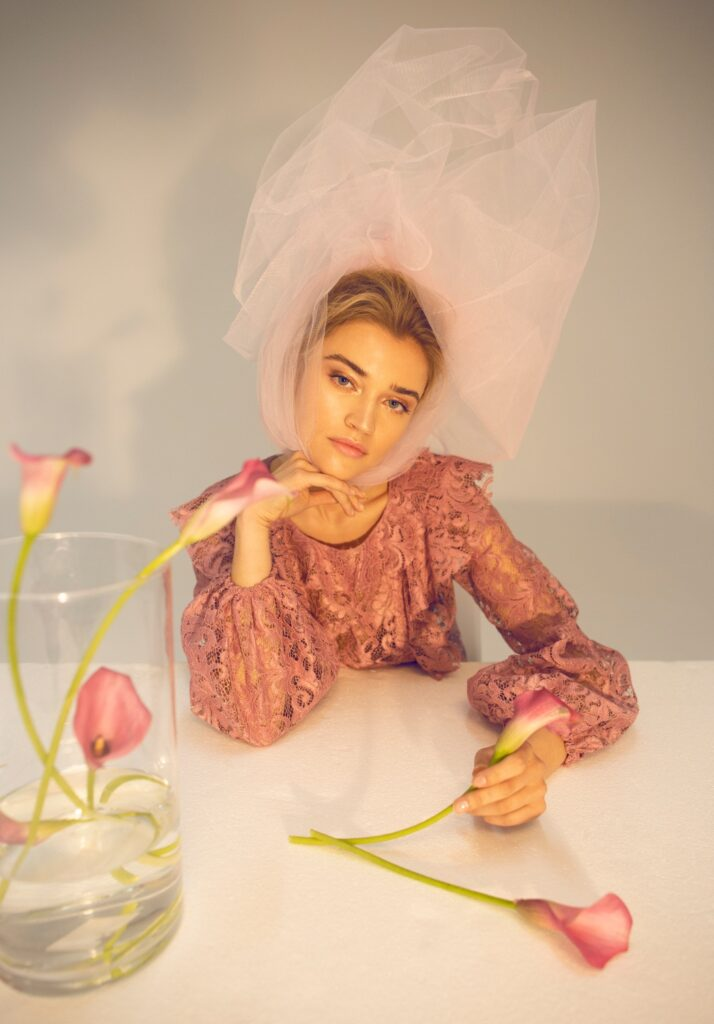 la vie en fleur fashion editorial factice magazine