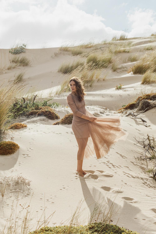 Minimal beach mood styled by Daniela Gil