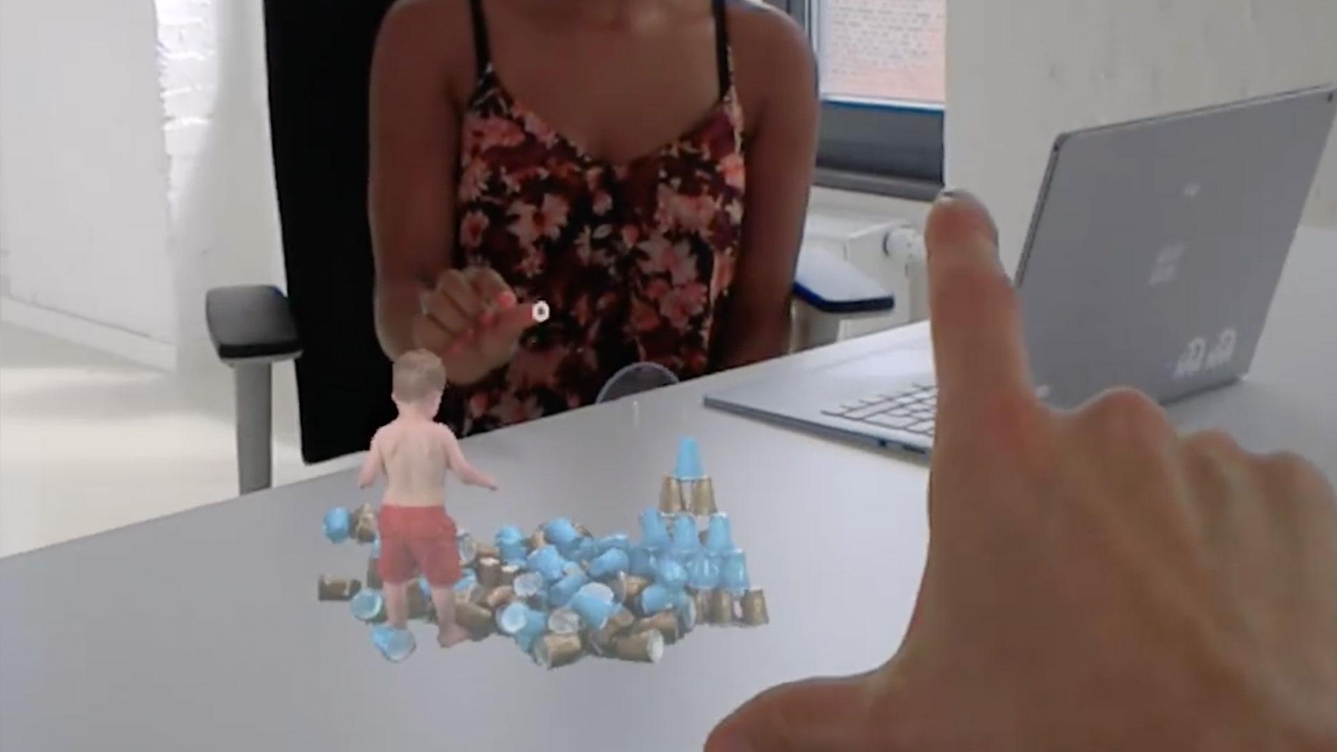 hololens – First Look (HoloLens)