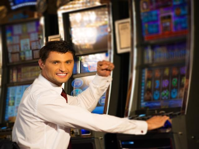 Man scoops jackpot after putting cheese slices into roulette machine