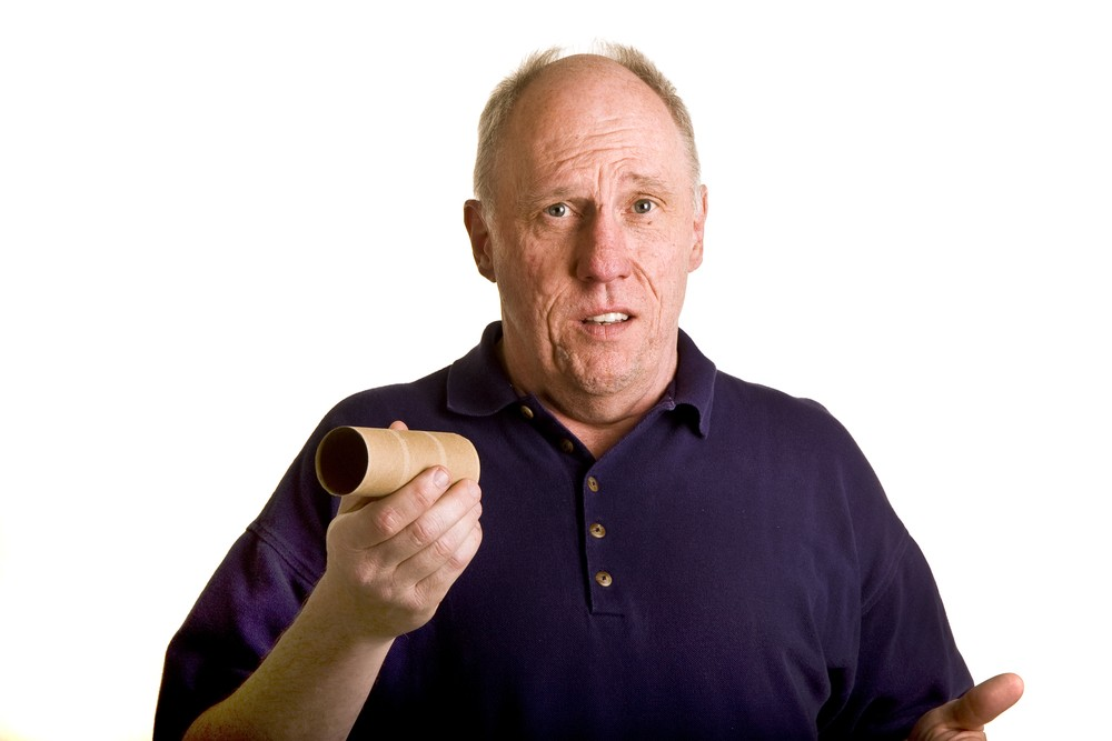 """""""I'll never go back to toilet roll"""" says man wiping arse with betting slips"""