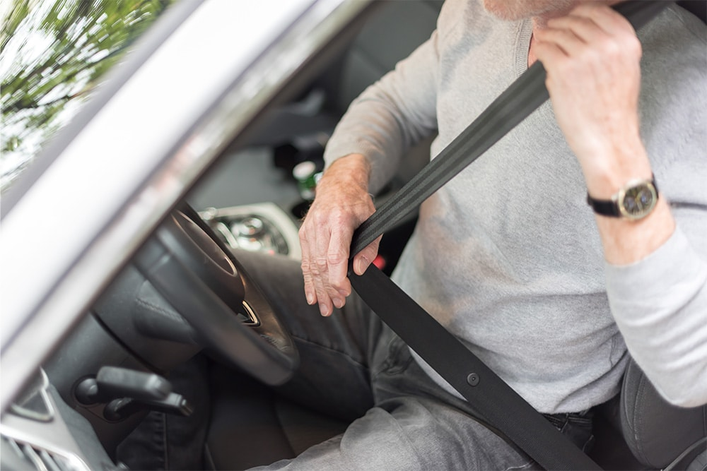 how to prevent car crash injuries