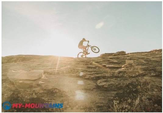 ride the mountain bike in the heart of the swiss mountains