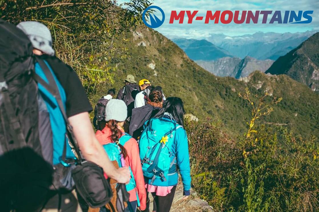 Group hikes Switzerland