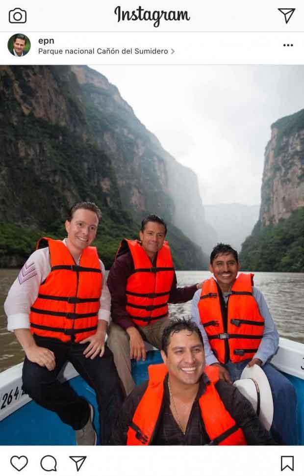 Esta es la foto de Enrique Peña Nieto con Julión, que el Presidente de México borró de su Instagram