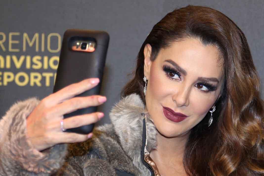 A la actriz y cantante se le relaciona con dos narcotraficantes mexicanos y se le investiga la compra de varias propiedades