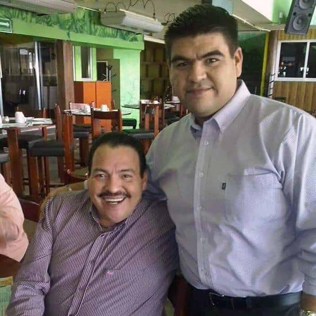 Horas antes de ser atendido pedía sus fans felicitar a su hermano Juan Arturo por su cumpleaños