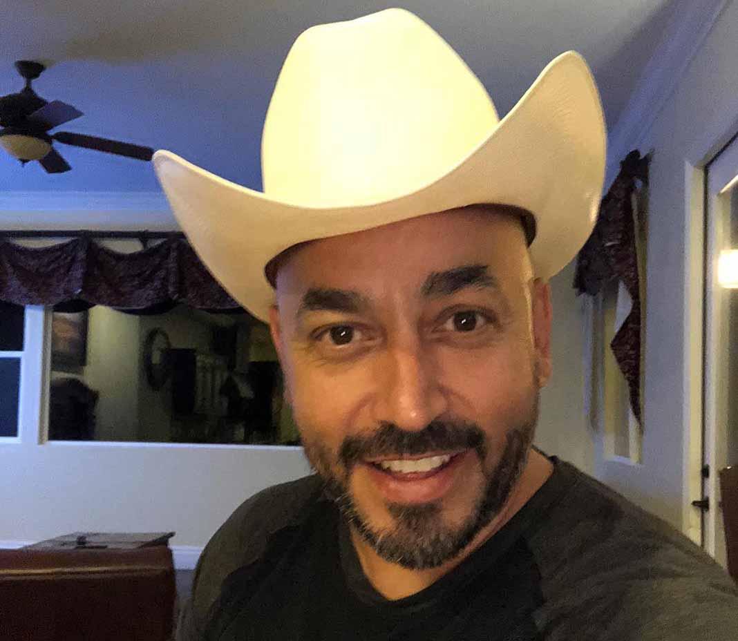 Aunque dice que no sabe lo que es un challenge, Lupillo hizo la canción y ya es un éxito en las redes