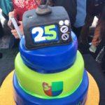 El pastel de los 25 años de Primer Impacto no podía faltar