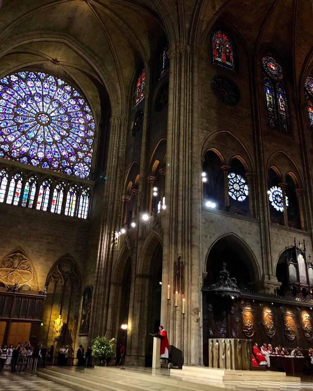 Los vitrales, algunos del siglo XIII, seguramente ya no existen