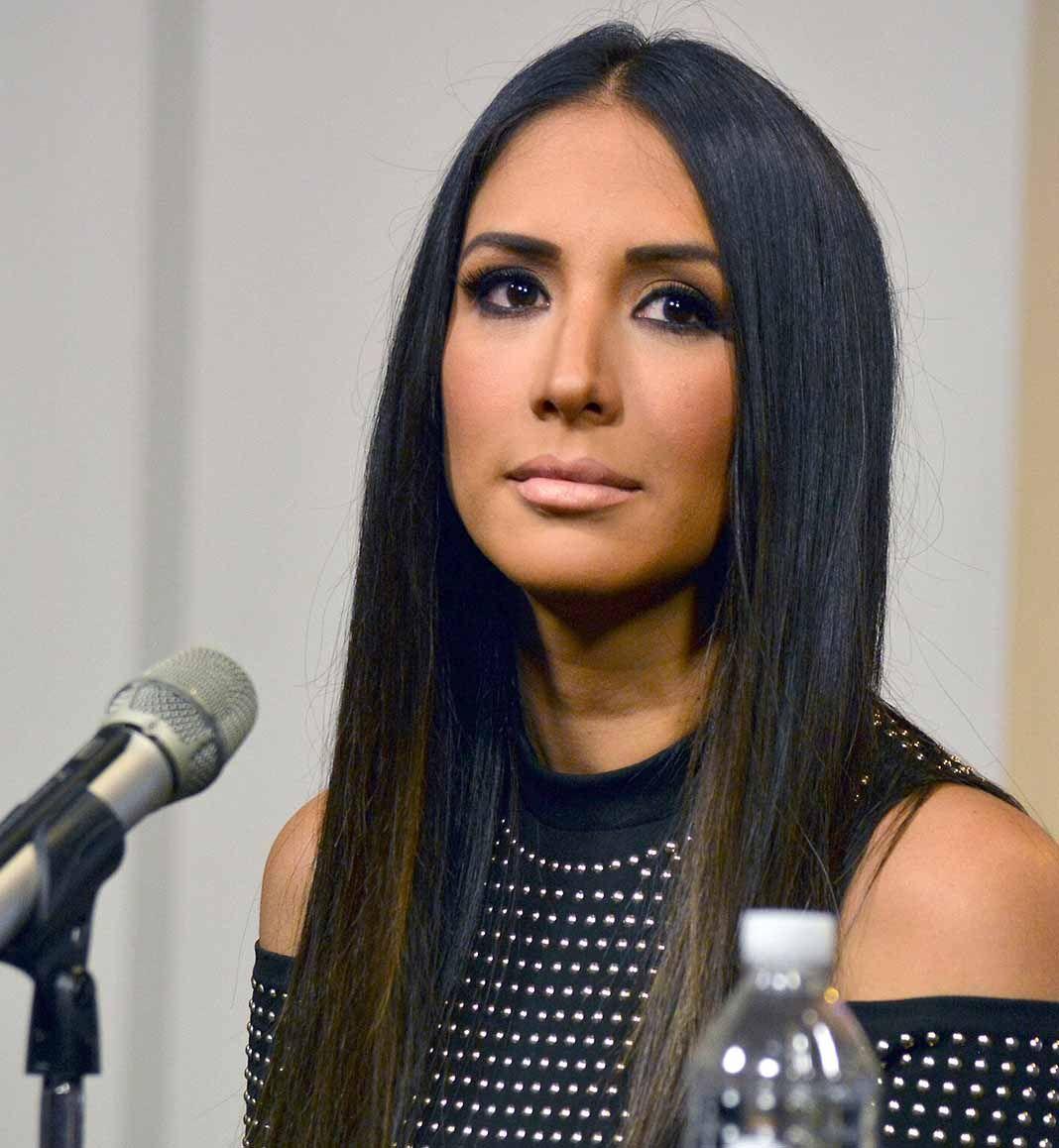 La actriz y presentadora dice que se desmayó al caer, como siempre le sucede cuando le da miedo