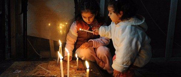 candles-and-children-jerusalem-r2jwae