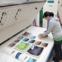 Stephanie Bowen unloading the kiln
