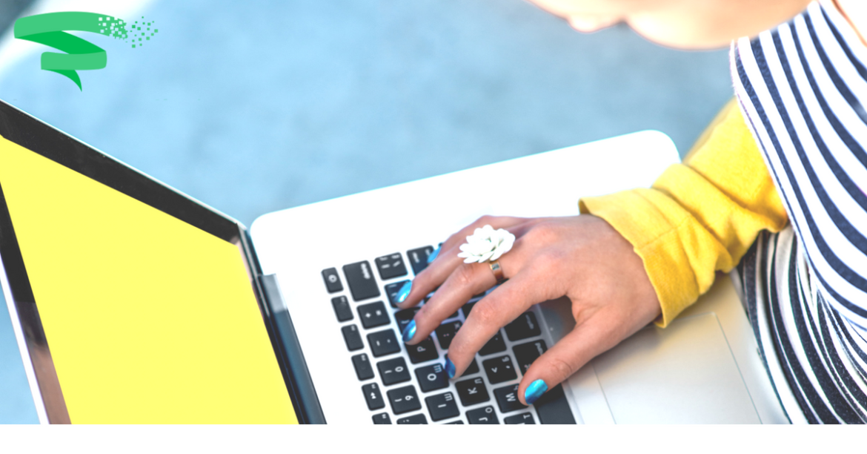 copywriter typing on laptop (1)