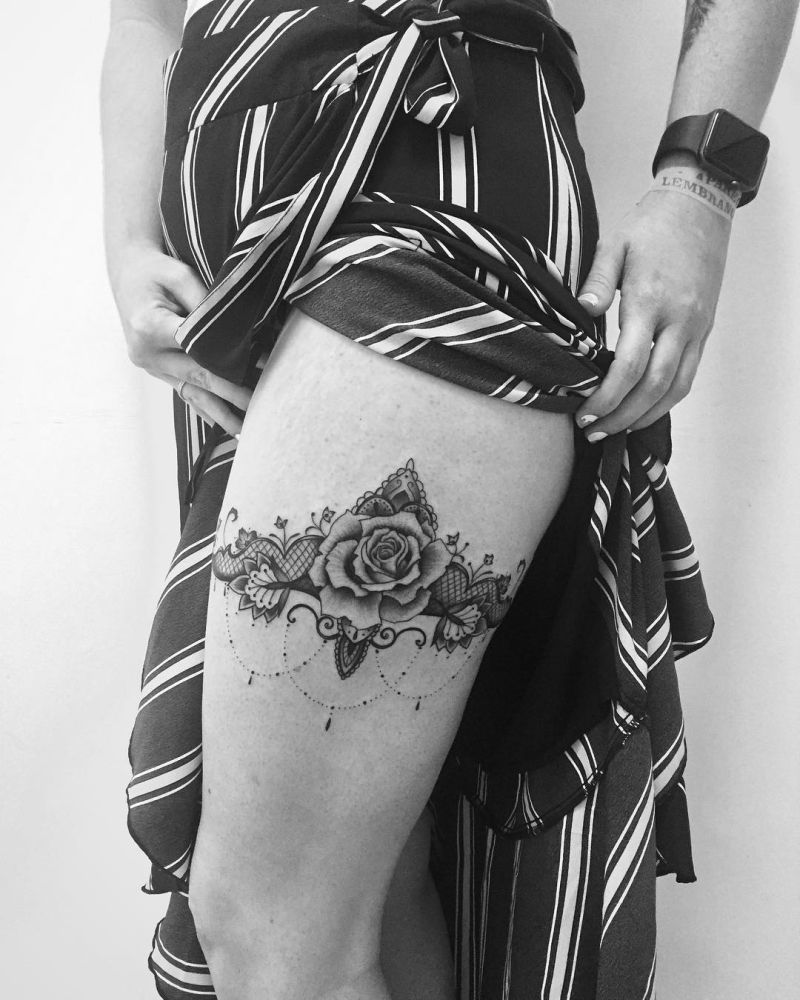 awesome lace tattoos for women