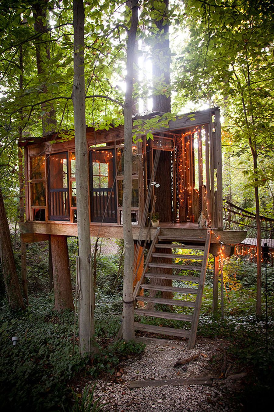 secluded treehouse in Atlanta