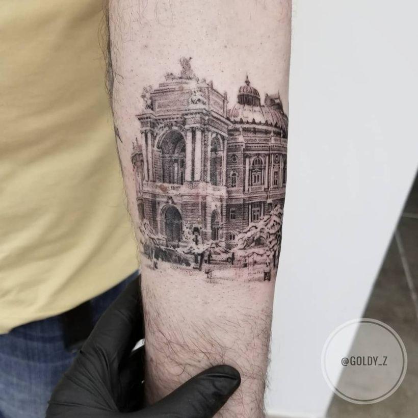Zlata Kolomoyskaya tattoos