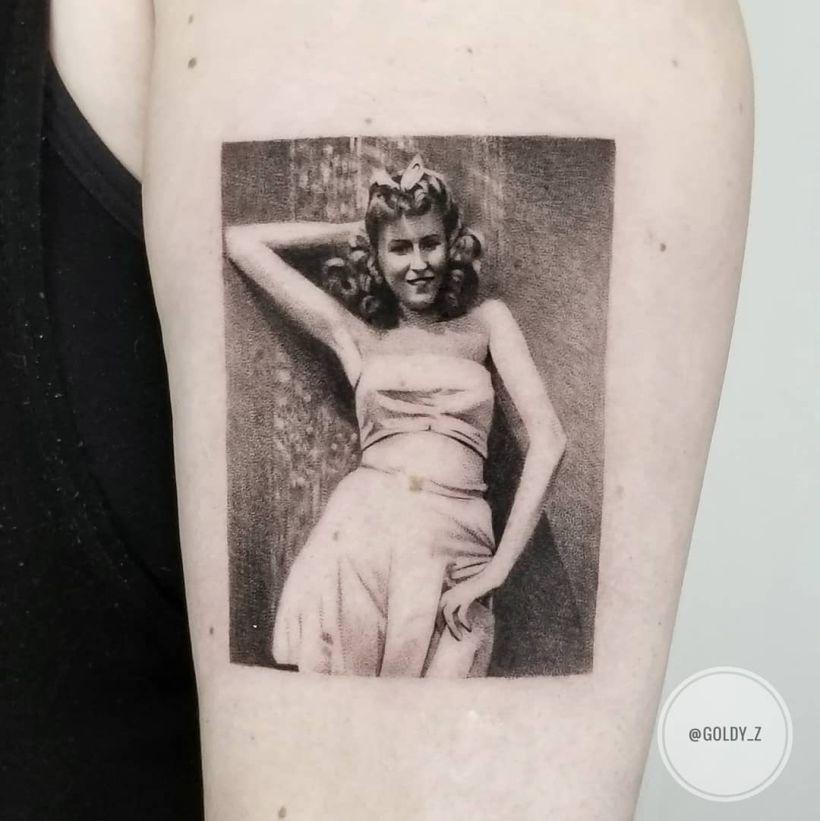 fine-line tattoo @goldy_z