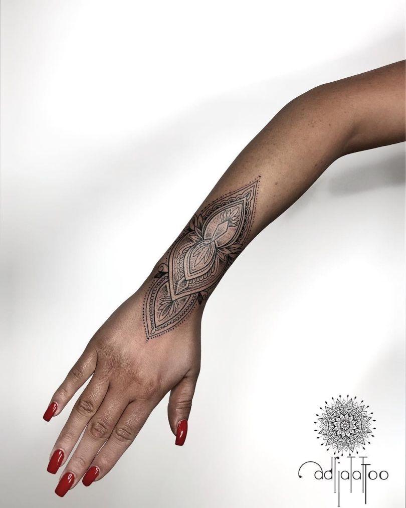 @adria.tattoo