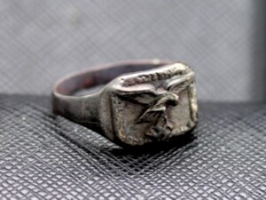 GERMAN WW2 RING EAGLE SWASTIKA
