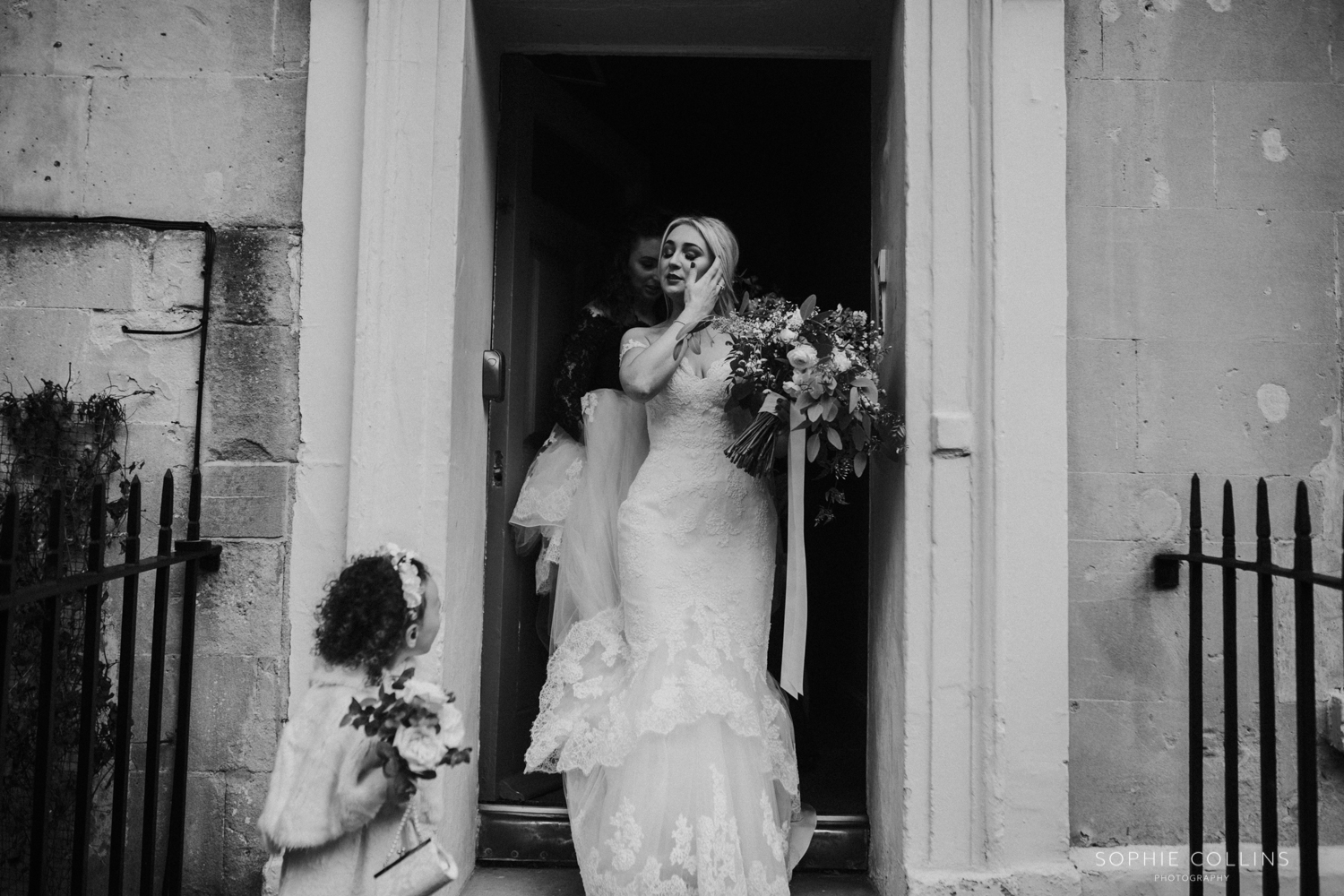 bride leaving for the ceremony