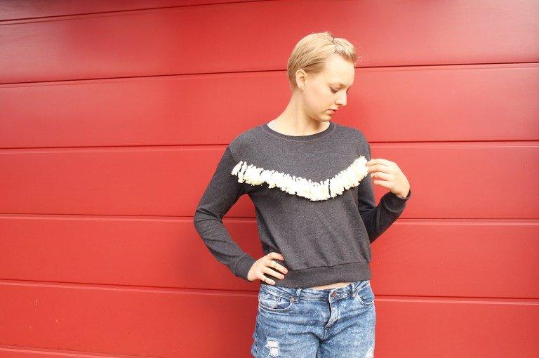 Tutorial Fransen für das Verschönern von Pullovern selber machen von Letters & Beads