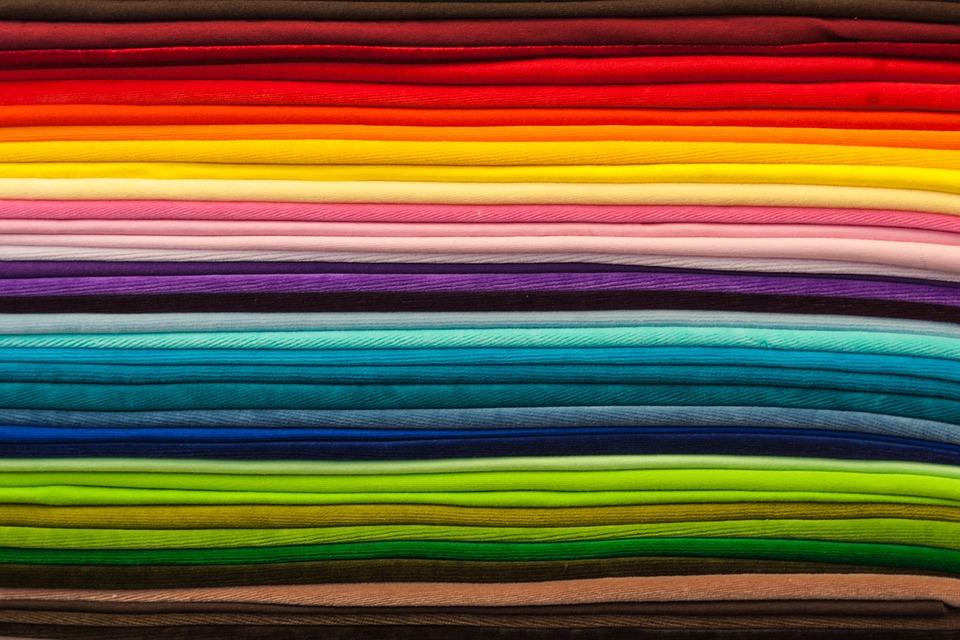 Bild des Beitrags Stoffmärkte und Stoffmessen von unifarbenen Stoffen