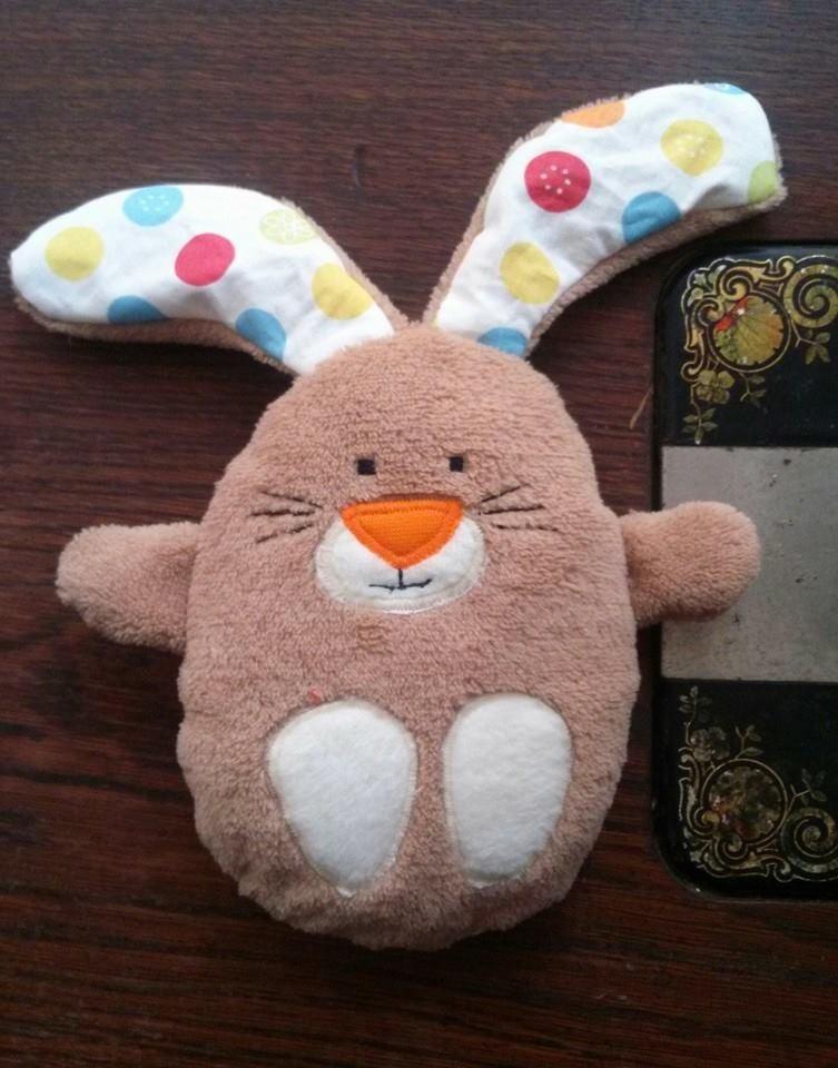 Gratis Schnittmuster für Hasen im Ei von Stefanie Perlenfee