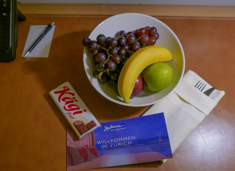 Welcome fruit bowl and chocolate wafer