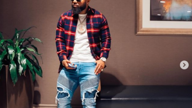 Photo of Cassper Shows Off His R8 000 Designer Shoes