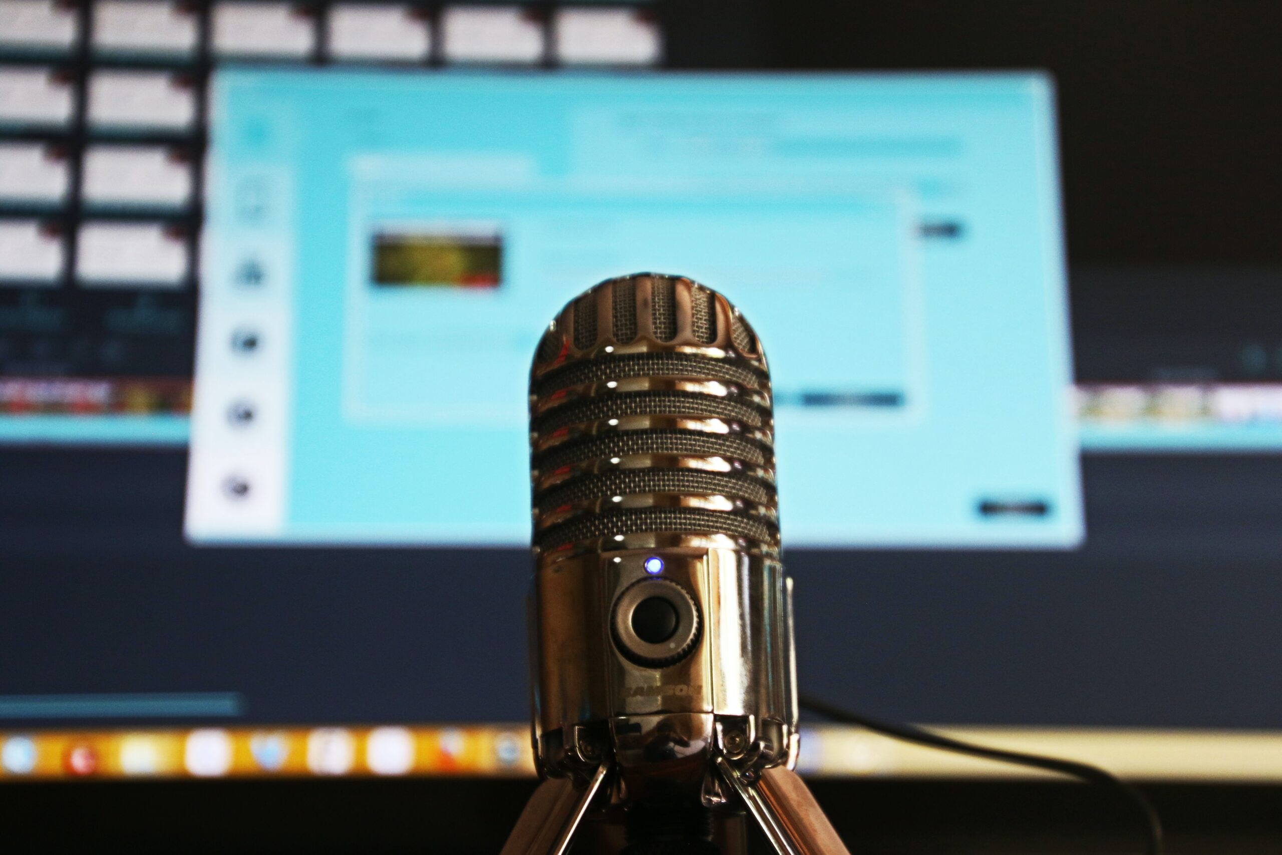 HOW TO CREATE AND LAUNCH A PODCAST
