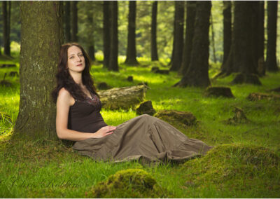 A photo shoot of a beautiful girl in some beautiful woodlands.