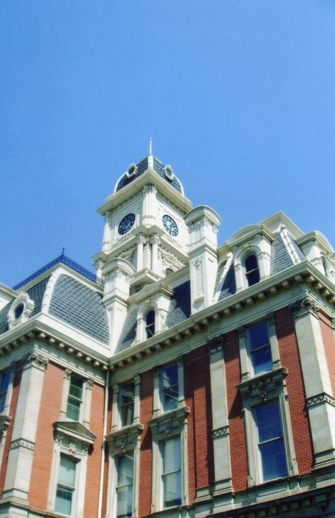 20050400 - Noblesville, IN, Courthouse, April 2005