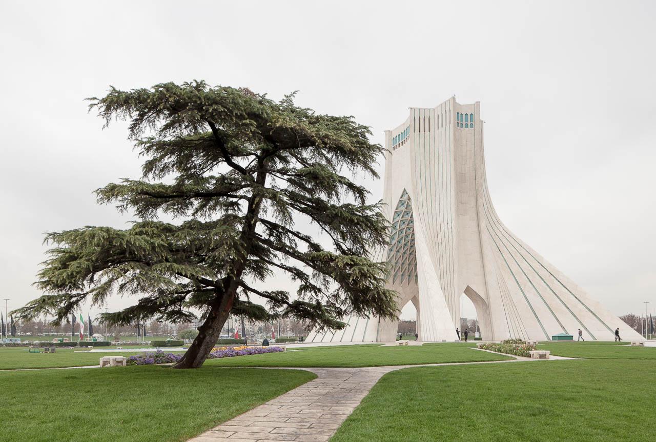 Azadi Tower, Tehran | Hossein Amanat - Manolo Espaliú - Fotografía de Arquitecturagrafía de Arquitectura