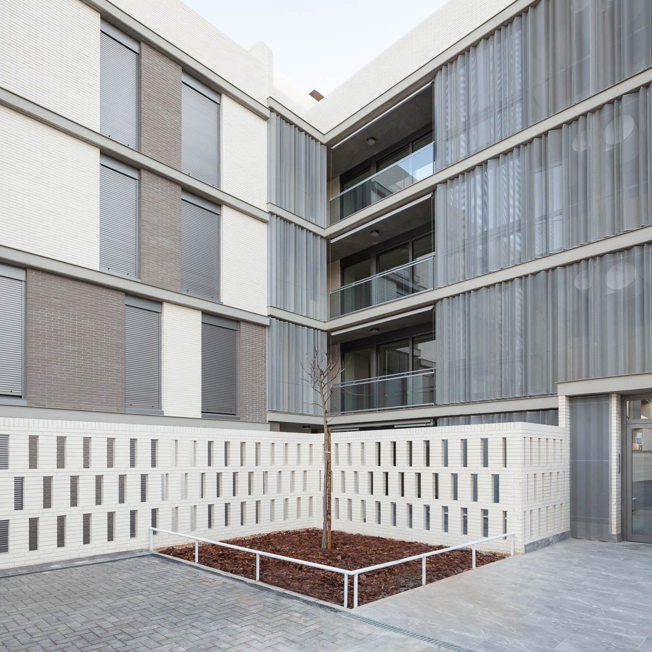 Viviendas Habitat Bulevar - Buró4 + Gabriel Verd - Manolo Espaliú - Fotografía de Arquitectura