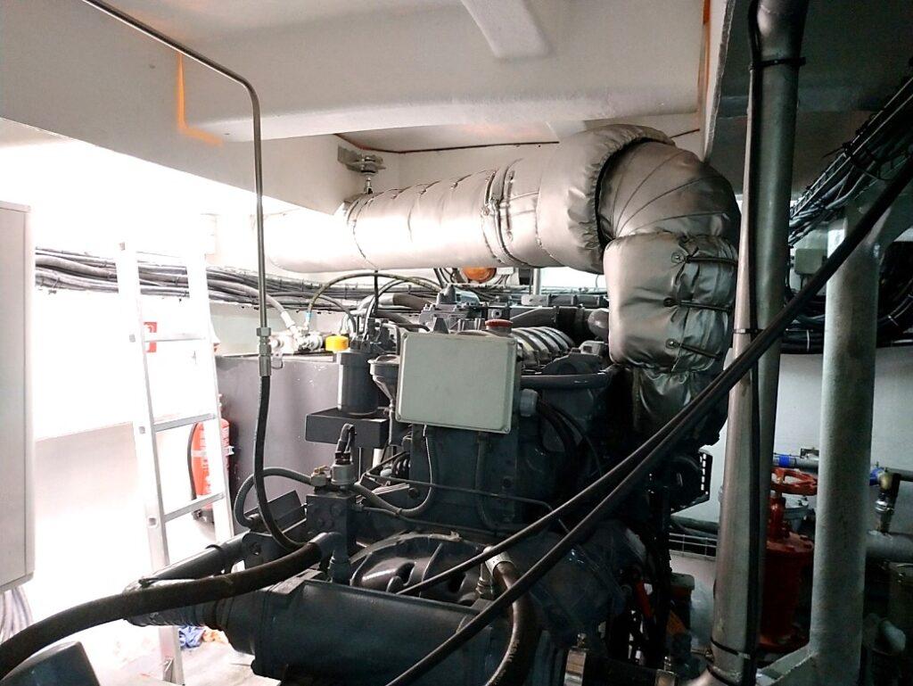 Motor instalado a bordo