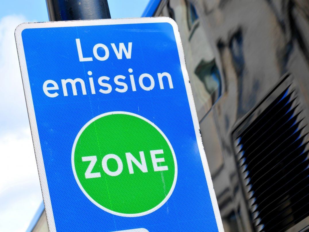 Low Emission Zone Signage