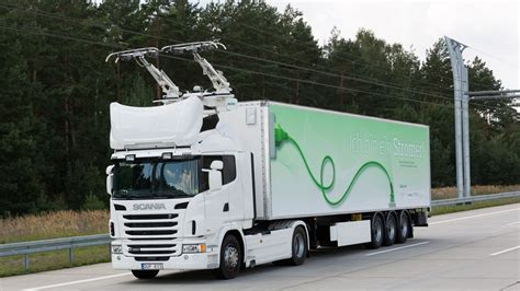 Electric Truck running off overhead wires
