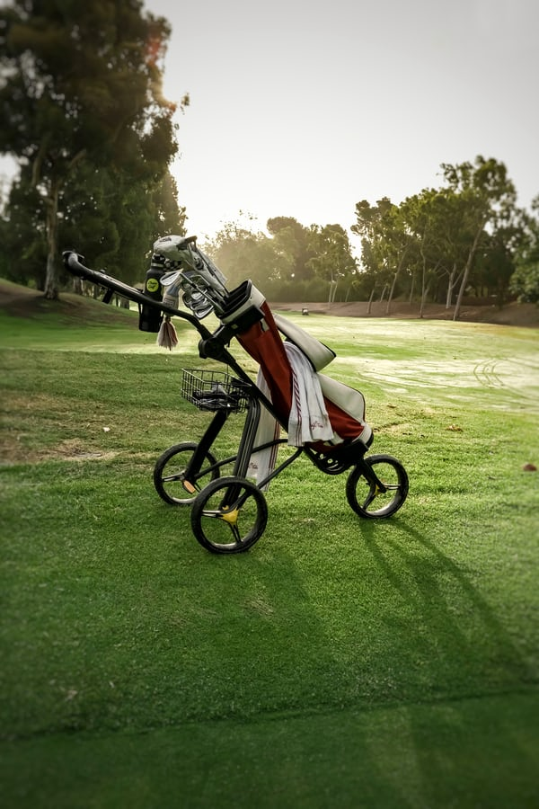 Beginner golf trolley