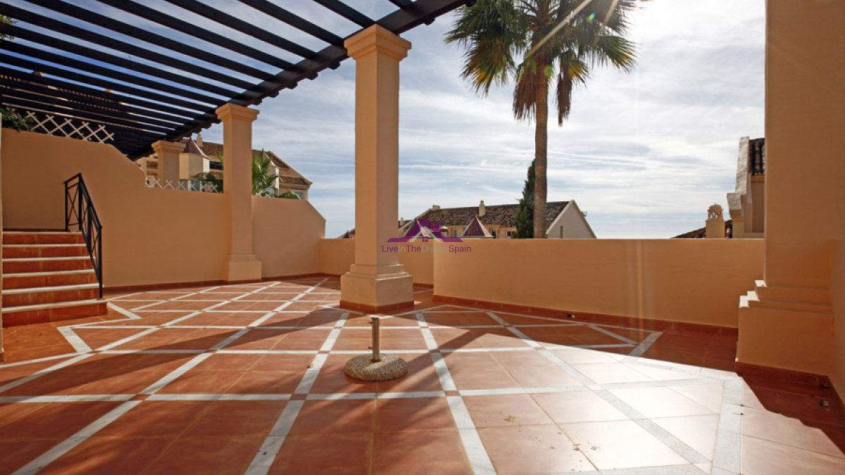Albatross Hills, Nueva Andalucia, Spain, 2 Bedrooms Bedrooms, ,2 BathroomsBathrooms,Apartment,For Rent,Albatross Hills,1205
