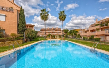 2 bedroom 2 bathroom holidday let elviria Jardines de Santa Maria Golf holiday rentals
